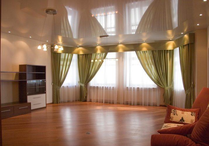 Натяжные-потолки-в-гостиную-landscape